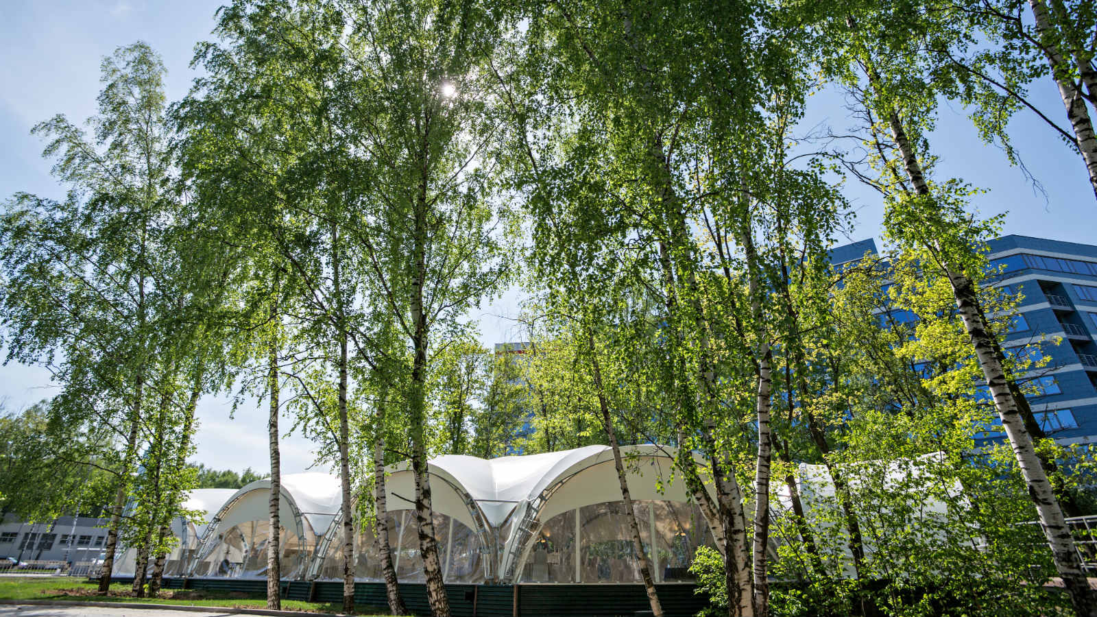 Summer heated tent for open-air events at Sheraton Moscow Sheremetyevo